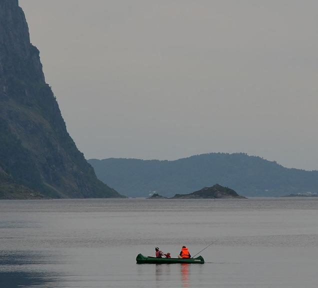 Kano og fiske på Åfjorden
