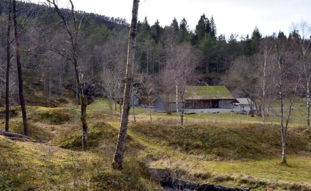 Visste du at haugane i Kvernsteinsparken skjular skrot etter kvernsteinsdrifta?