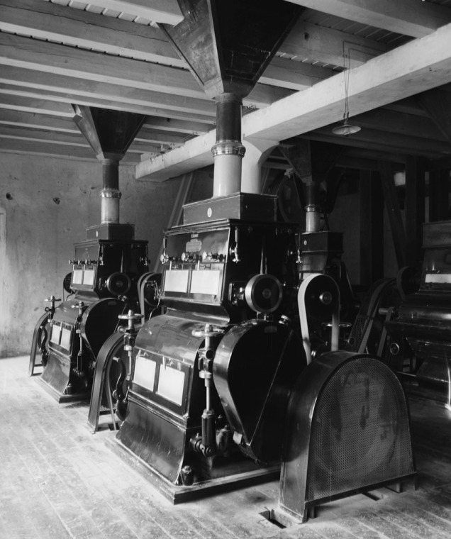 Legendariske Bjølsen Valsemølle i 1910. Foto av Anders Beer Wilse. Fra Digitalt museum.