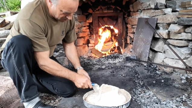 Kalkomnen brenn og Oddvin leskar den første kalken!