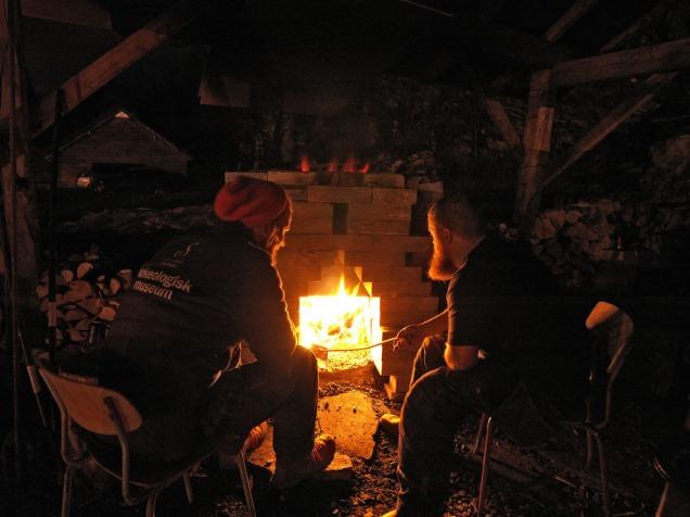 Stemning i kalkbrennernatten: George Murphy og Tore Granmo. Foto: Bent Erik Myrvoll