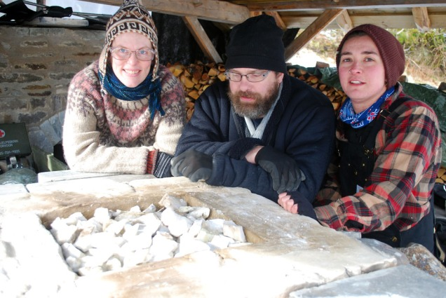 Solveig, Larence og Sverre er klåre for brenning