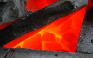 Fantastisk god glød i marmoren i bakre del av ovnen