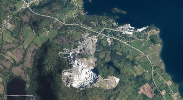 Det store Visnesbruddet på Eide sett fra luften. Kilde: norgeibilder.no